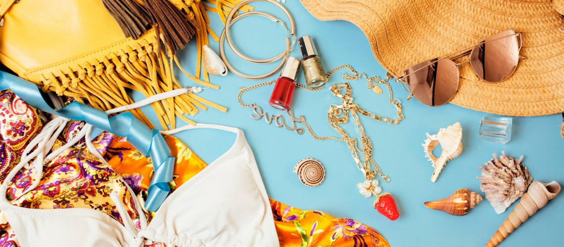 Mit lehet felvinni a repülőgépre a sminktermékek közül? És milyen kozmetikumokat érdemes csomagolni?